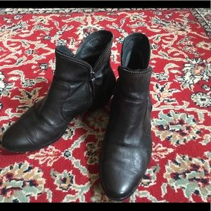 Black leather Paul Green ankle boots 8.5